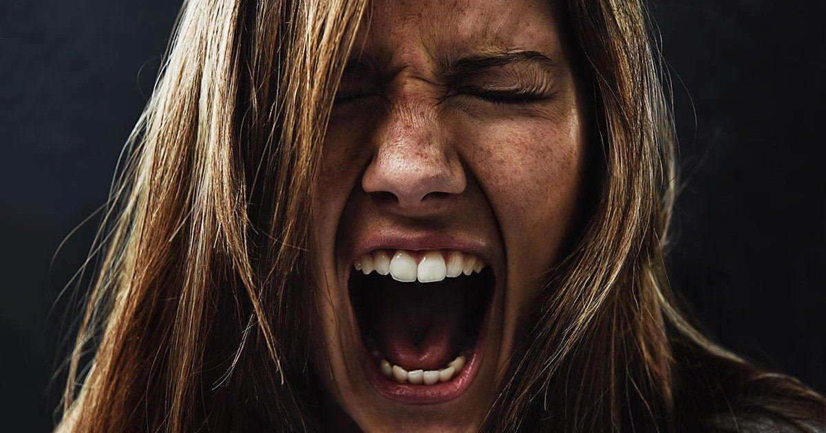 10 phrases qui énervent les filles en couple