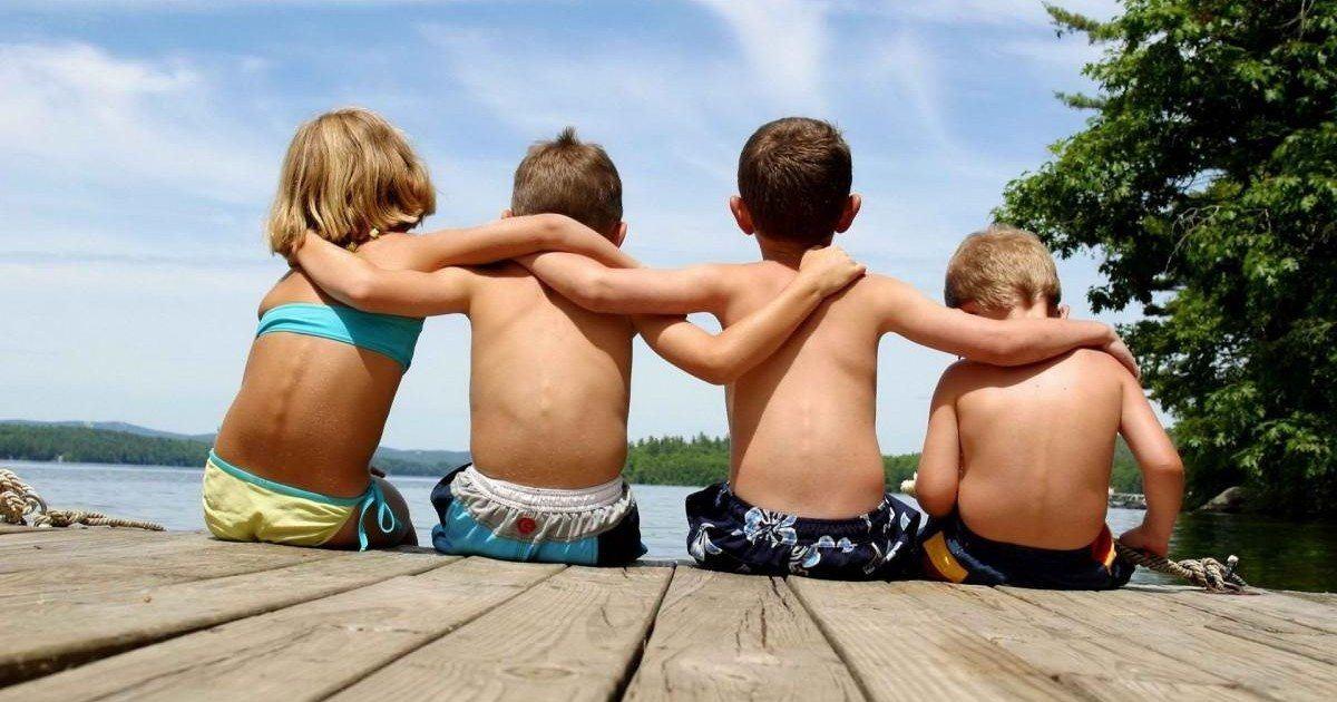 Les amis d'enfance seront toujours les meilleurs amis qu'on puisse avoir