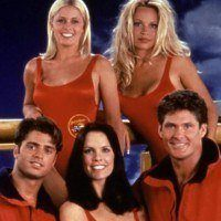 Que sont devenus les acteurs de la série Alerte à Malibu 25 ans après !