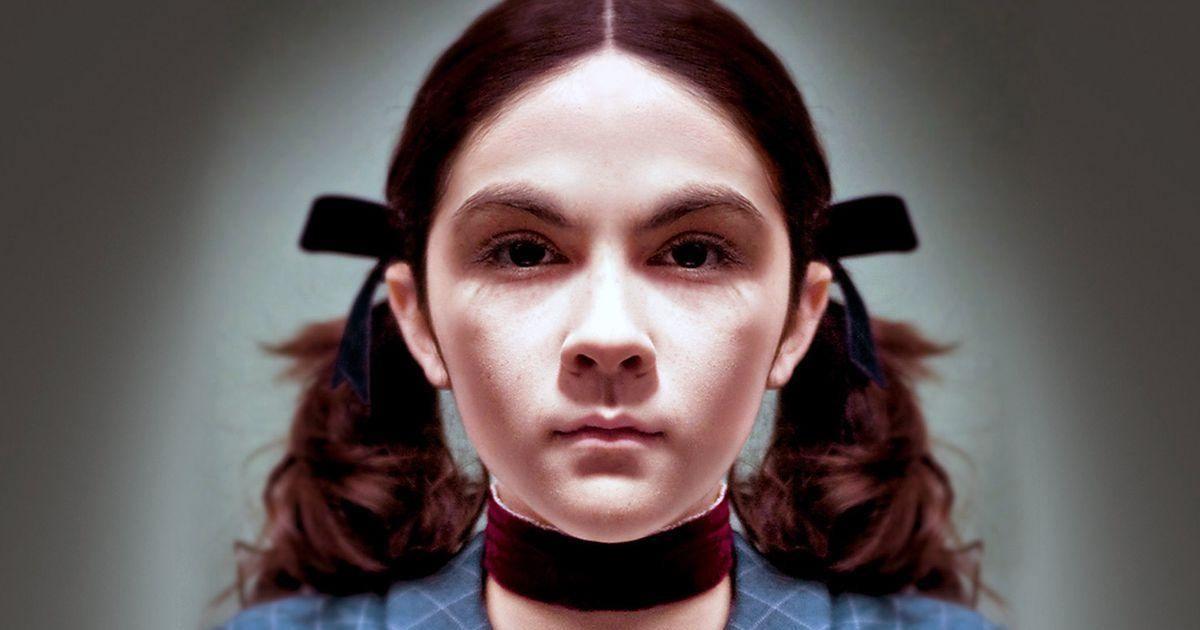 La fille du film Esther a bien changé, voici à quoi elle ressemble 9 ans après