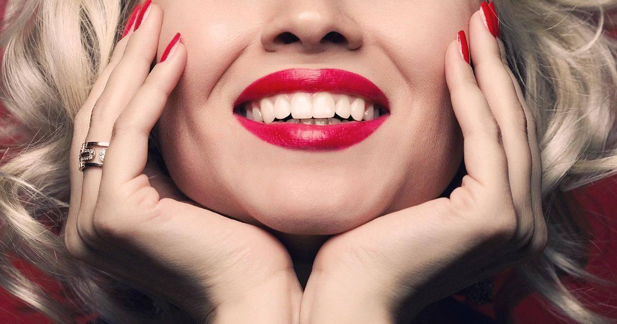 Quelques astuces naturelles pour rendre vos dents plus blanches et saines