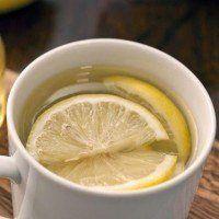 Voici pourquoi vous devez boire de l'eau citronnée avec du miel le matin