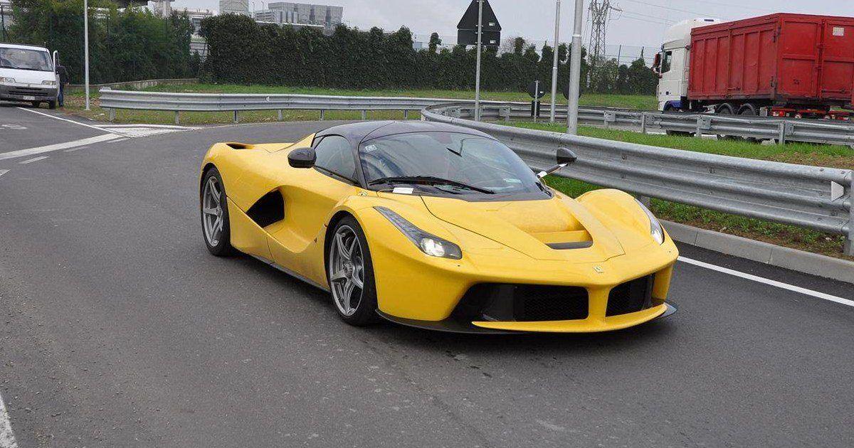 En Californie, un riche qatari détruit le moteur de sa Ferrari en frimant !