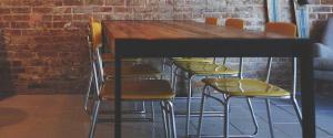 Nos conseils pour bien choisir la table de votre salle à...