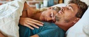 Les couples qui se couchent en même temps seraient plus...