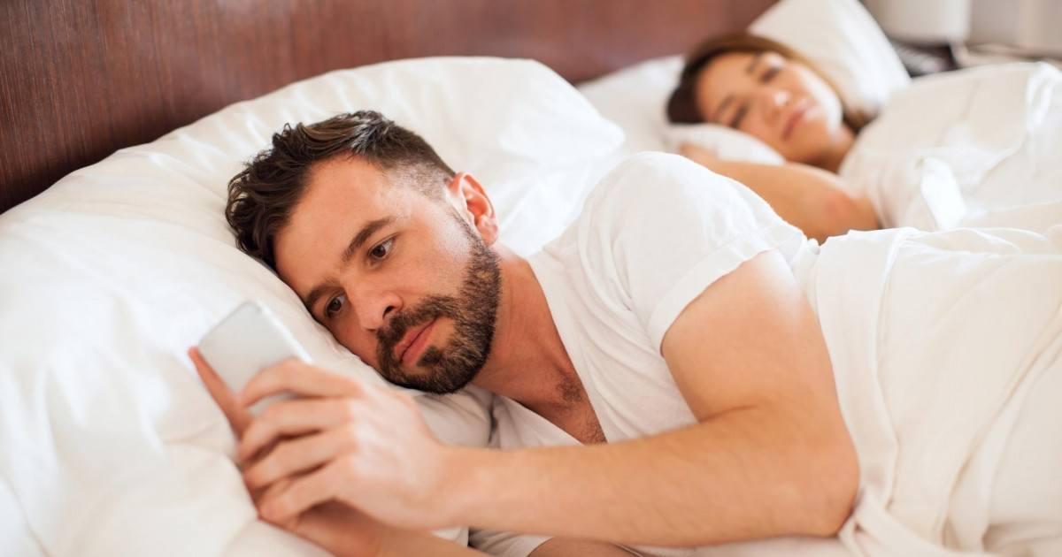 Les signes que votre conjoint vous trompe avec une autre femme