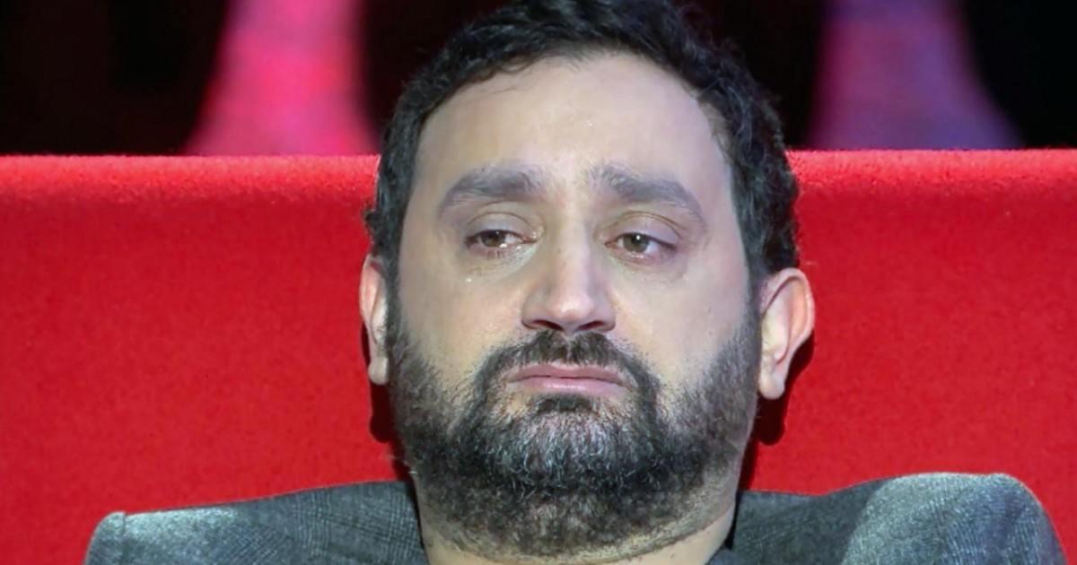 Le présentateur Cyril Hanouna en pleurs parle de ses ennuis en direct