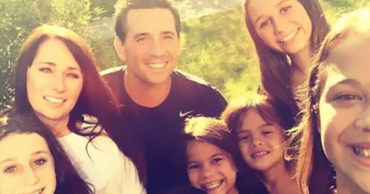 Elle adopte les 4 filles de sa meilleure amie décédée d'un cancer