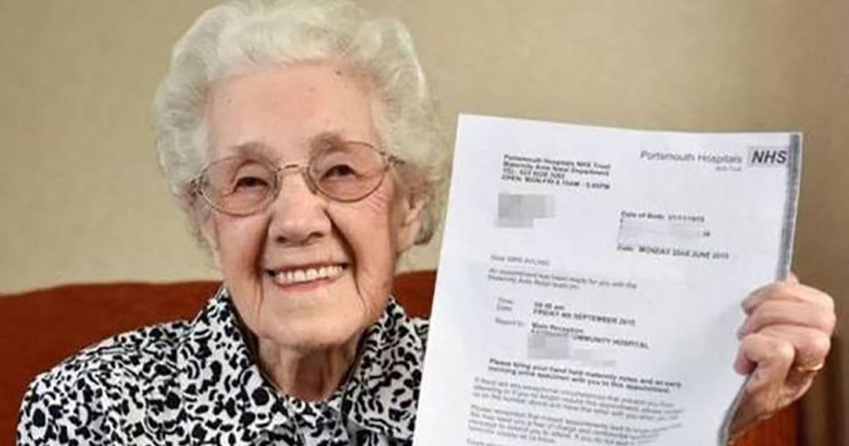 Enceinte à 99 ans : l'erreur de l'hôpital la fait sourire !