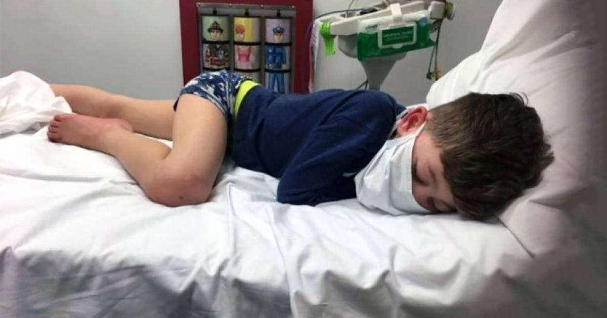 Atteint du coronavirus à 5 ans, il demande à sa mère si il va mourir