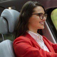 C'est enfin prouvé : les femmes conduisent mieux que les hommes !