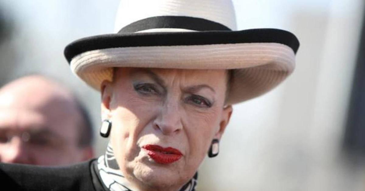 Geneviève de Fontenay s'est fait dérober son chapeau !