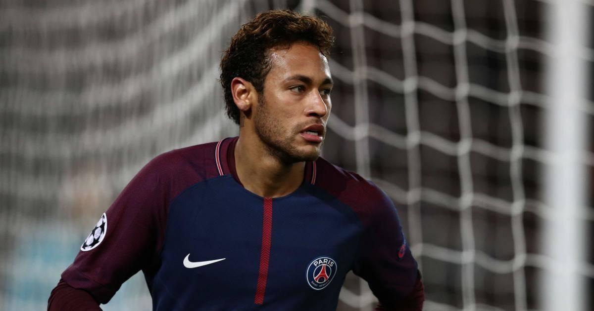 L'entraineur du PSG n'accepte pas le geste de Neymar lors de la finale de...
