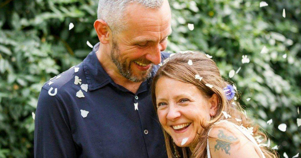 Un homme révèle avoir dormi 6 nuits durant avec sa femme décédée