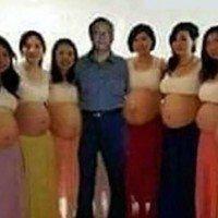 Cet homme est marié avec 13 femmes et elles sont toutes enceintes