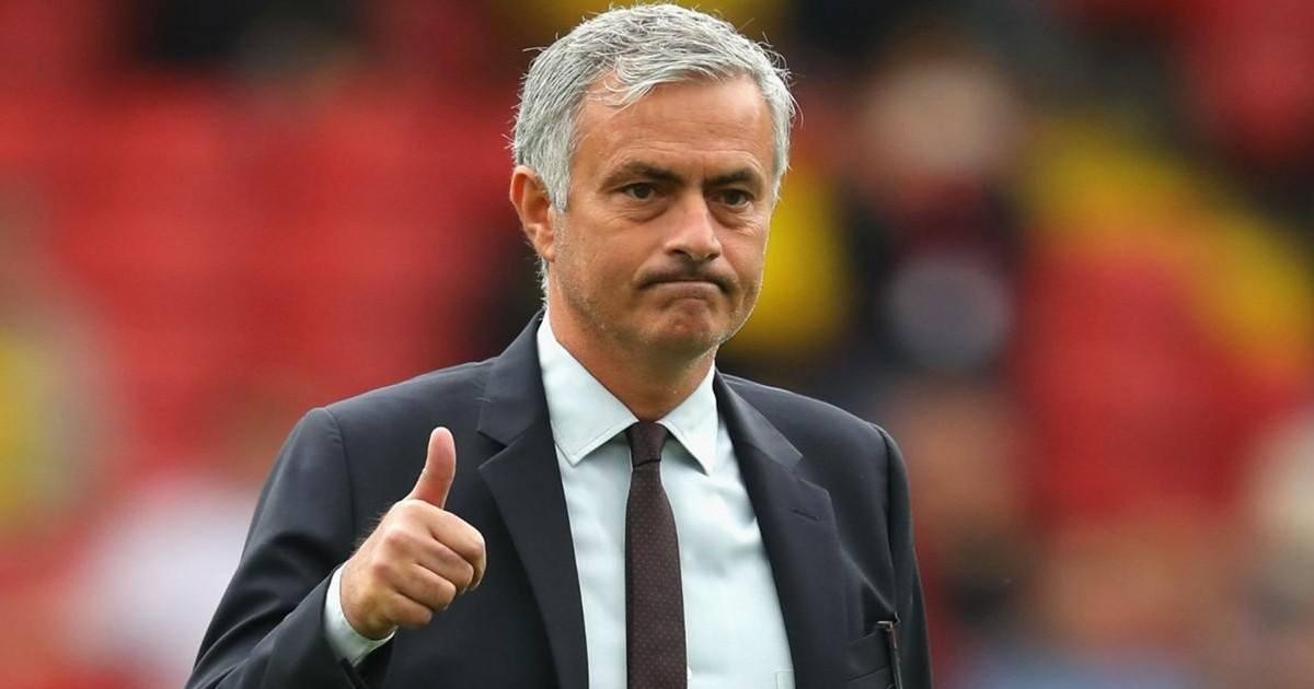 José Mourinho, l'entraîneur de Chelsea, est viré