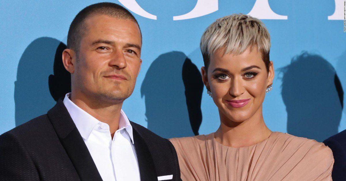 Un bébé pour la chanteuse Katy Perry ?  La star répond en plein concert