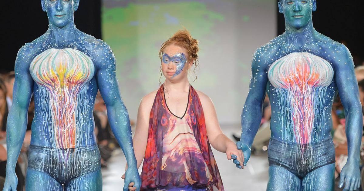 Madeline Stuart, la jeune mannequin trisomique, a défilé à la Fashion Week