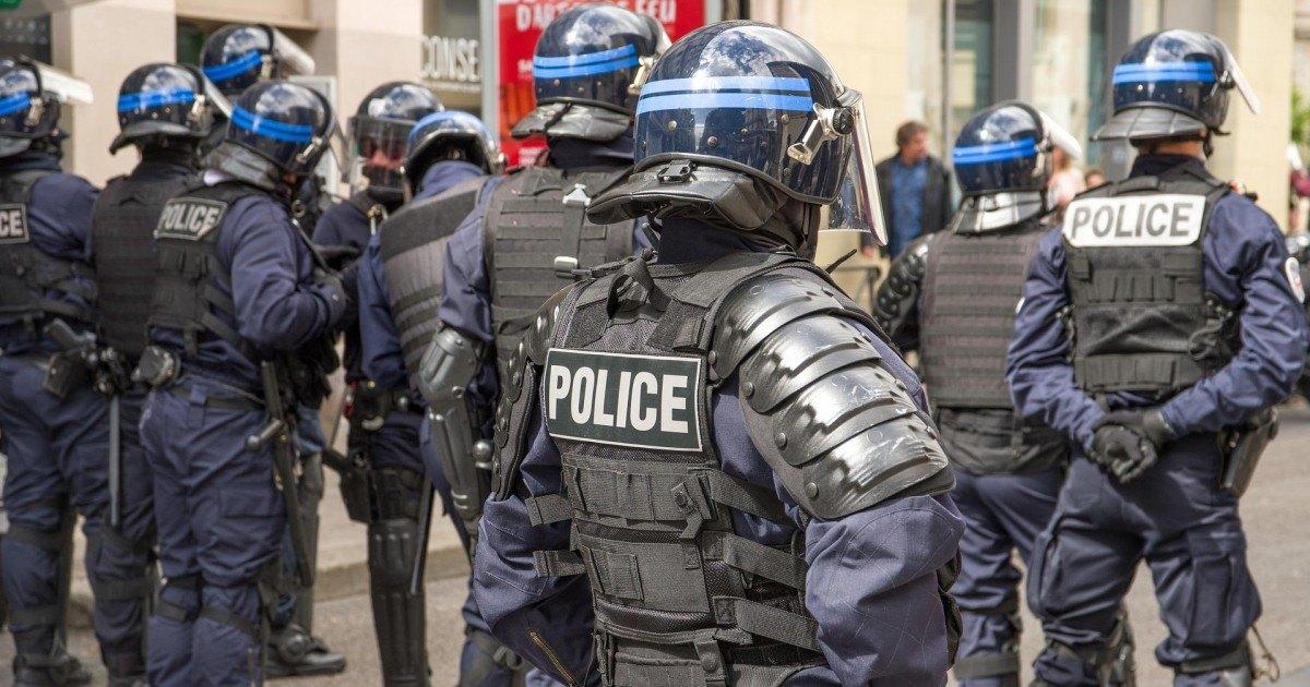 Les militaires et policiers protégés s'ils tuent pendant le confinement