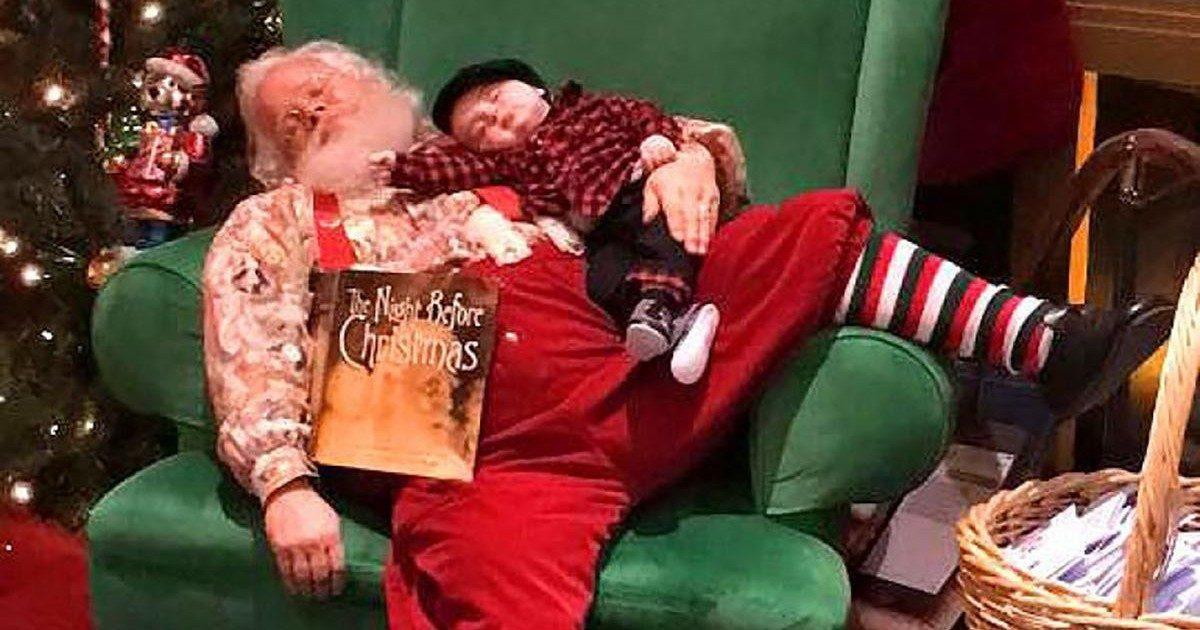 La photo d'un Père Noël et d'un bébé endormis fait le buzz