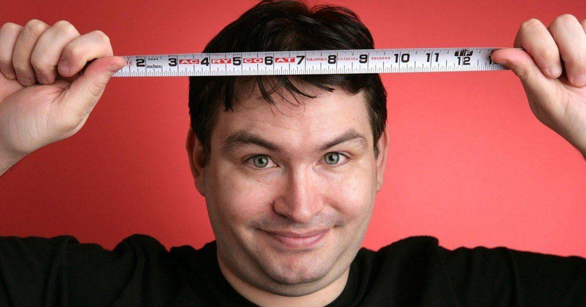 Doté du plus gros pénis au monde, il décide d'en faire don à la science !
