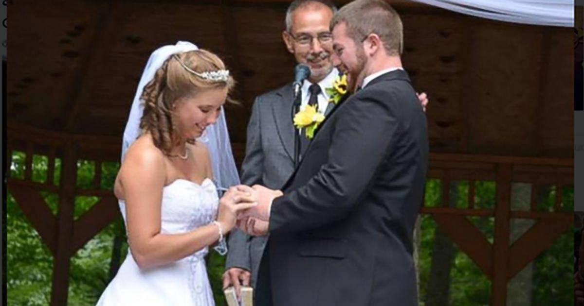 Pour son épouse amnésique, il recrée leur mariage à l'identique !