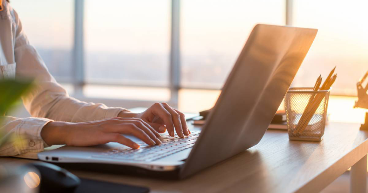 Préparation au voyage : comment apprendre l'arabe en ligne ?