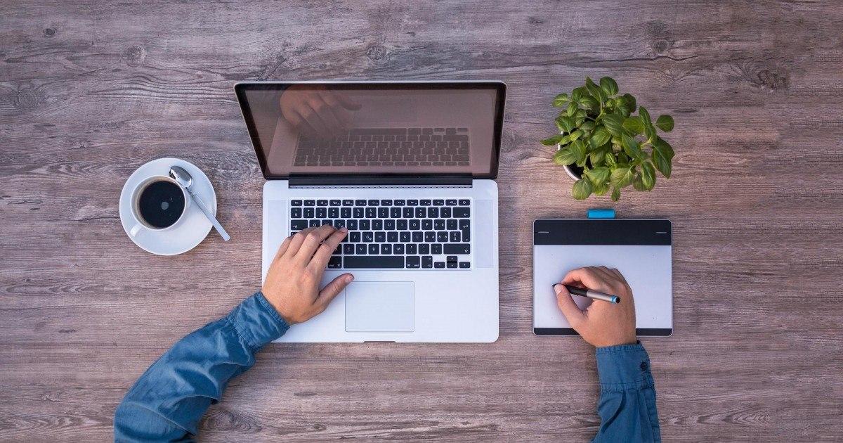 Qui devez-vous contacter en cas de litige avec un site Internet ?
