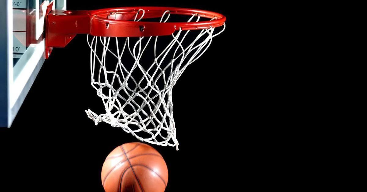Record du monde : Il marque un panier de basket à 126 mètres de hauteur