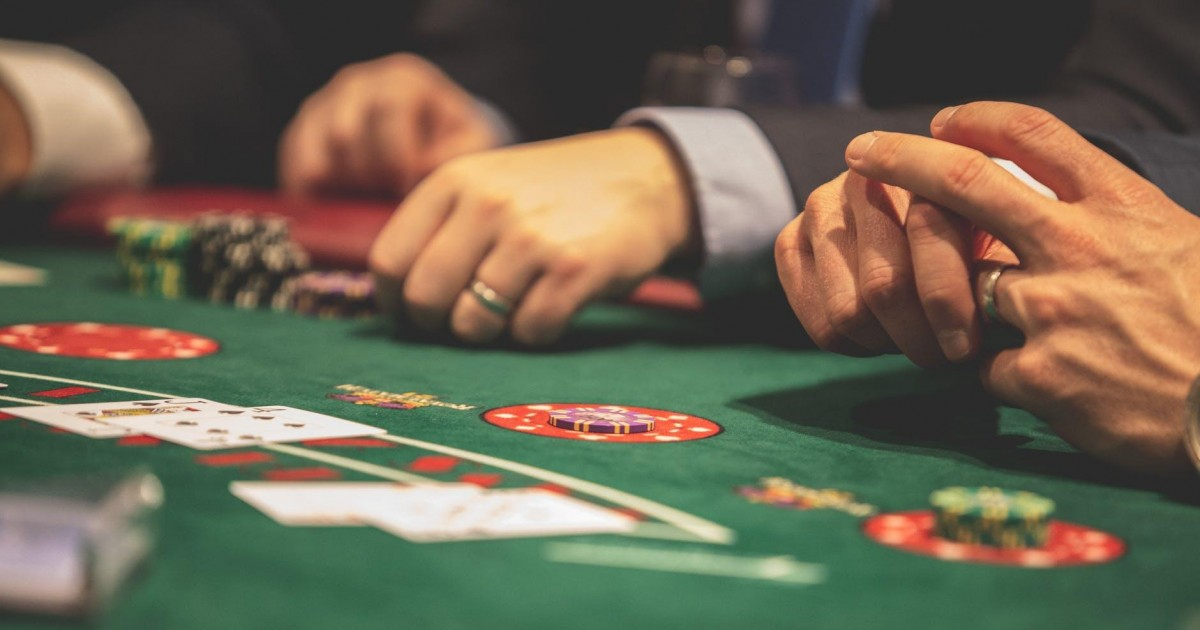 Le poker en ligne fait son retour grâce aux différents confinements