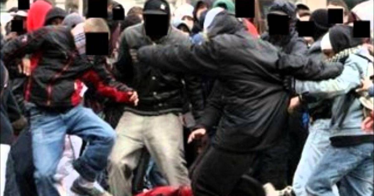 Saint-Denis : un ado poignardé pour avoir « regardé » un passant !