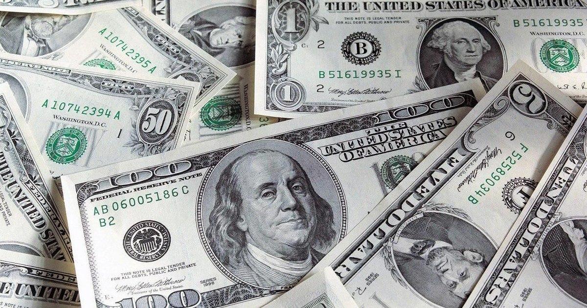 Un serveur rapporte 3 000 dollars perdus et en reçoit 27 000 en retour