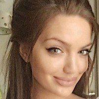 Le sosie d'Angelina Jolie dépasse les 78000 abonnés sur Instagram