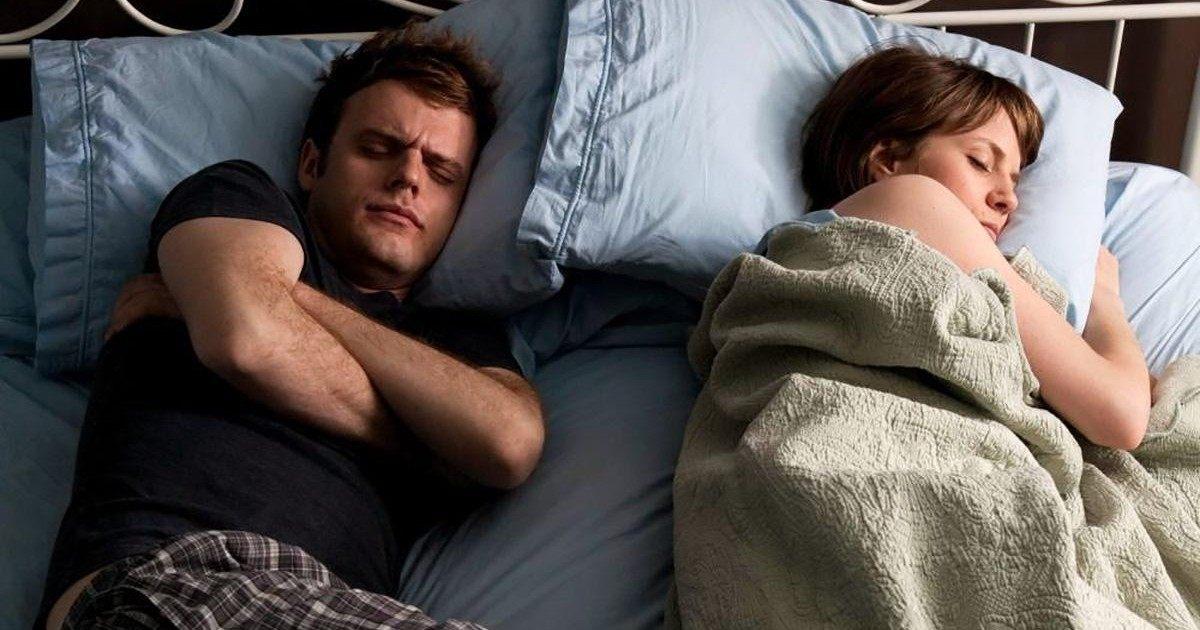 Couple : voici enfin la technique pour arrêter de se faire voler la couette au lit