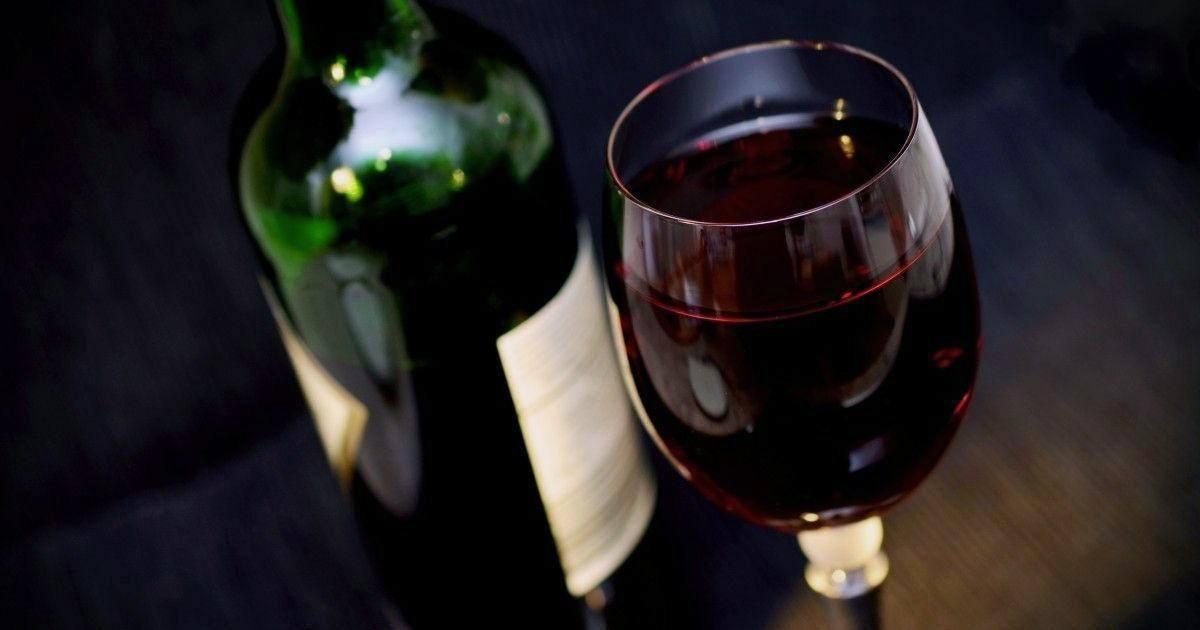 Boire un verre de vin rouge équivaut à une heure de sport