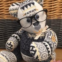 Transformer les vêtements des personnes décédées en ours en peluche